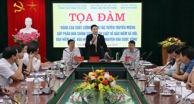 Lãnh đạo Trung tâm Thông tin công tác tuyên giáo (Ban Tuyên giáo Trung ương) phát biểu tại buổi Tọa đàm