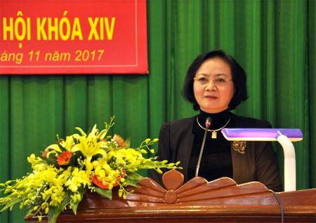 Đồng chí Bí thư Tỉnh ủy Phạm Thị Thanh Trà phát biểu tại buổi tiếp xúc cử tri huyện Trấn Yên.