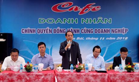 Đồng chí Tạ Văn Long - Phó Chủ tịch Thường trực UBND tỉnh phát biểu tại Chương trình