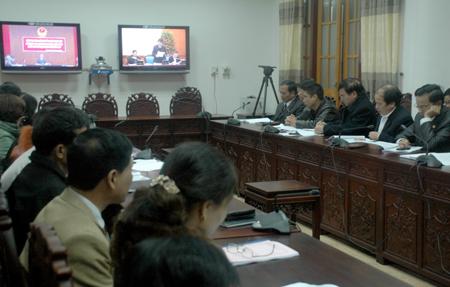 Các thành viên Ban chỉ đạo tỉnh tham dự Hội nghị trực tuyến tại điểm cầu Yên Bái