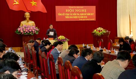 Phó Bí thư Thường trực Tỉnh ủy Dương Văn Thống phát biểu kết luận Hội nghị.