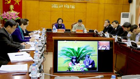 Các đại biểu tại điểm cầu Yên Bái tham dự Hội nghị.