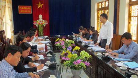 Đồng chí Đinh Đăng Luận – Phó trưởng đoàn ĐBQH khóa XIV tỉnh phát biểu tại buổi giám sát.