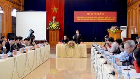 Chủ tịch UBND tỉnh Đỗ Đức Duy phát biểu tại Hội thảo