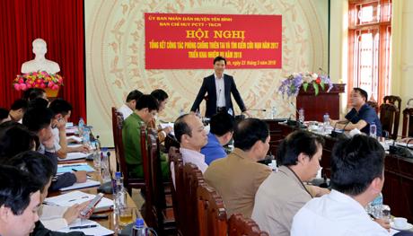 Phó Chủ tịch UBND huyện Nguyễn Đức Điển phát biểu chỉ đạo Hội nghị.