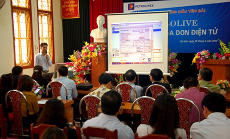 Theo Công ty Xăng dầu Yên Bái từ ngày 1/4 tới, việc thanh toán sẽ sử dụng hóa đơn điện tử.
