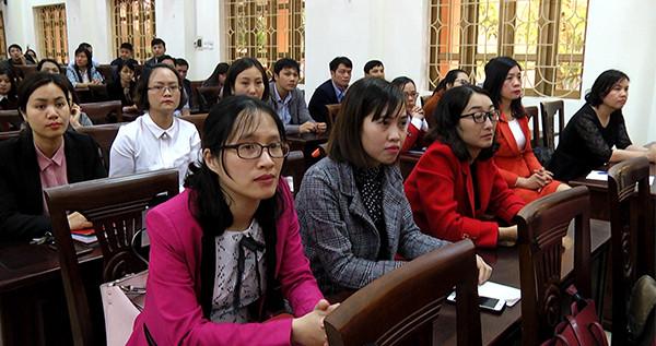 Các học viên tham dự lớp bồi dưỡng kỹ năng lãnh đạo, quản lý theo Đề án số 11-ĐA/TU của Tỉnh ủy
