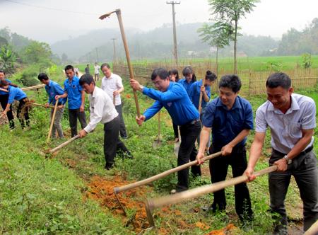 Tỉnh đoàn Yên Bái khởi công cầu nông thôn Bản Trang, thôn 6, xã Hưng Khánh, huyện Trấn Yên.