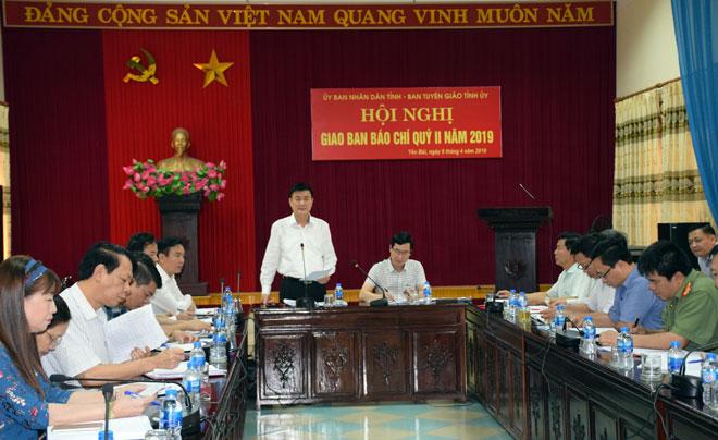 Đồng chí Nguyễn Chiến Thắng - Ủy viên Ban Thường vụ Tỉnh ủy, Phó Chủ tịch UBND tỉnh phát biểu chỉ đạo Hội nghị.