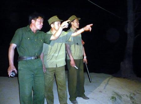 Ngay trong đêm, Lý Vảng Chua và lực lượng Công an xã xác định khu vực tuần tra.