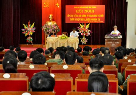 Trên 200 đại biểu, cử tri đại diện cho cán bộ, chiến sỹ, lực lượng vũ trang tỉnh Yên Bái tham dự Hội nghị tiếp xúc.