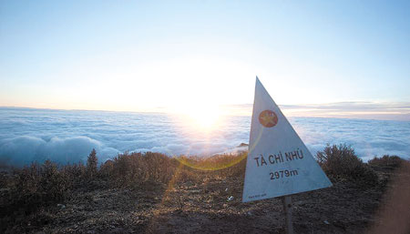 Biển mây trên đỉnh Tà Chì Nhù - phần thưởng xứng đáng cho những ai đam mê chinh phục.