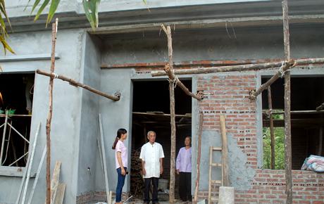 Ngôi nhà của gia đình thương binh Trần Phú Vinh, xã Sơn Thịnh là một trong 7 nhà được sửa chữa và làm mới trong năm 2017