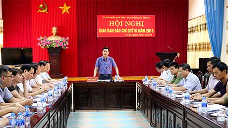 Đồng chí Nguyễn Minh Tuấn - Trưởng Ban Tuyên giáo Tỉnh ủy phát biểu chỉ đạo tại Hội nghị.