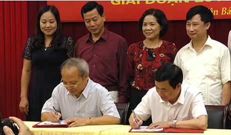 Lãnh đạo Ban Tuyên giáo Tỉnh ủy và Sở Giáo dục và Đào tạo ký kết chương trình phối hợp.