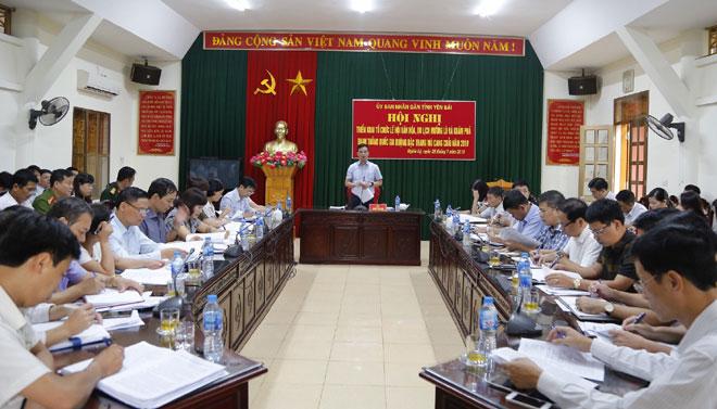 Đồng chí Dương Văn Tiến - Phó Chủ tịch UBND tỉnh, Trưởng ban Tổ chức những ngày lễ lớn của tỉnh chủ trì Hội nghị
