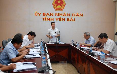 Chủ tịch UBND tỉnh Đỗ Đức Duy chủ trì buổi họp về công tác tuyển dụng bổ sung giáo viên năm học 2017 – 2018.