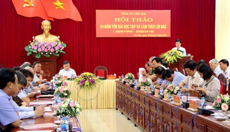 Trưởng ban Tuyên giáo Tỉnh ủy Nguyễn Minh Tuấn báo cáo tổng kết Hội thảo.