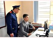 Lực lượng thanh tra giao thông kiểm tra hoạt động của các phương tiện vận tải hành khách đường bộ thông qua thiết bị giám sát hành trình.