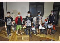 5 thanh thiếu niên tham gia giao thông, không có gương chiếu hậu, chạy với tốc độ cao và lạng lách đánh võng khi tham gia giao thông bị Đội CSGT đường bộ số 1, Phòng CSGT, Công an tỉnh Yên Bái xử lý.