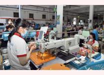Sản xuất giày xuất khẩu tại Công ty ChingLuh (Khu công nghiệp Thuận Đạo, Long An