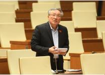 Chánh án TAND tối cao Nguyễn Hòa Bình báo cáo giải trình tại phiên thảo luận