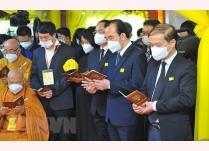 Phó Chủ tịch Ủy ban Trung ương Mặt trận Tổ quốc Việt Nam Ngô Sách Thực tại lễ truy điệu Đại lão Hòa thượng Thích Phổ Tuệ.
