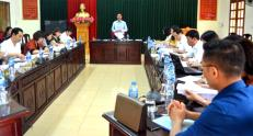 Đồng chí Dương Văn Tiến phát biểu tại một buổi làm việc.