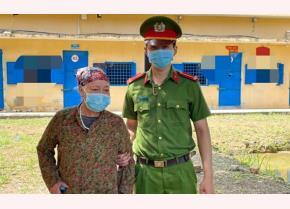 Đối tượng Bùi Thị Thanh, thay tên đổi họ trốn lệnh truy nã bị Công an bắt giữ sau 23 năm.