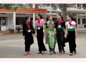 Sau sắp xếp học sinh người dân tộc thiểu số, vùng khó khăn của huyện được học tập trong những điều kiện tốt hơn.
