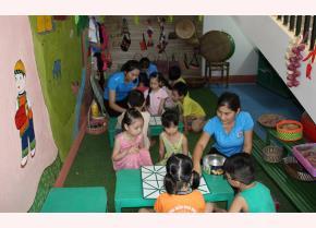 Khu vui chơi giữ gìn bản sắc văn hóa dân tộc được quan tâm đầu tư tại Trường Mầm non Hoa Lan.