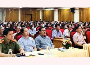 Các đại biểu tham dự Chương trình phổ biến pháp luật về tín ngưỡng, tôn giáo
