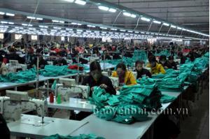 Nhà máy may của Công ty TNHH Daesung Global tại Cụm công nghiệp Thịnh Hưng tạo nhiều việc làm cho lao động địa phương.