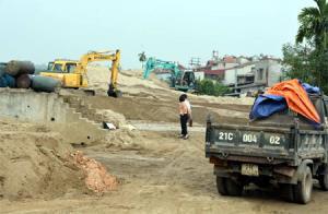 Một bãi tập kết cát, sỏi tại phường Nguyễn Phúc, thành phố Yên Bái. (Ảnh minh họa)