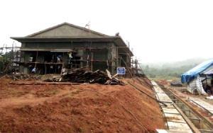 Công trình Nhà văn hóa đa năng của xã Phúc Lộc đang được hoàn thiện.