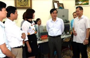 Đoàn công tác của Ủy ban Dân tộc và Ban Dân tộc tỉnh kiểm tra công tác cải cách hành chính tại huyện Văn Chấn.