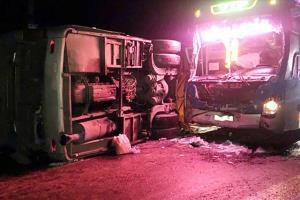 Hiện trường vụ tai nạn giữa hai xa khách.