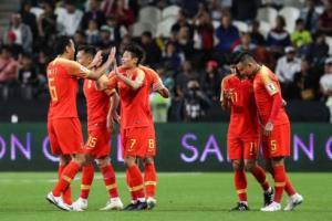ĐT Trung Quốc chính thức giành vé vào vòng 1/8.