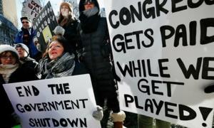 Người dân Mỹ biểu tình yêu cầu chấm dứt tình trạng đóng cửa chính phủ tại Boston ngày 11/1