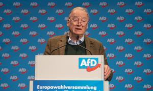 Đồng lãnh đạo của đảng AfD Alexander Gauland phát biểu trong cuộc họp hôm 13/1 ở bang Saxony.