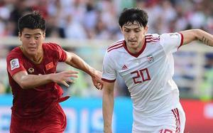 Duy Mạnh bị phạt 5000 USD vì thẻ vàng trong trận đấu với Iran.