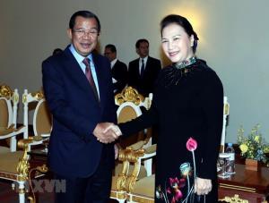Chủ tịch Quốc hội Nguyễn Thị Kim Ngân hội kiến Thủ tướng Vương quốc Campuchia Samdech Techo Hun Sen.