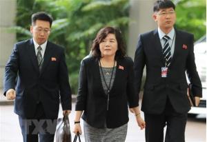 Thứ trưởng Ngoại giao Triều Tiên Choe Son-hui (giữa).