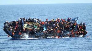Người di cư ở ngoài khơi Libya.