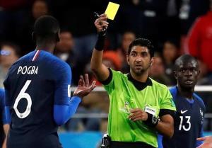 Trọng tài Mohammed Abdulla Hassan Mohamed từng rút thẻ vàng phạt Pogba ở World Cup 2018.