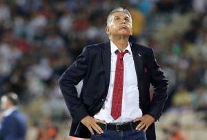 HLV Carlos Queiroz rời khỏi cương vị thuyền trưởng đội tuyển Iran sau 8 năm.
