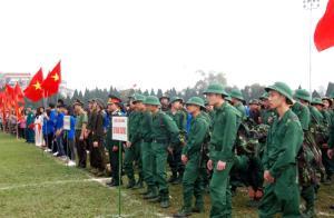 Tân binh thành phố Yên Bái lên đường nhập ngũ năm 2018.