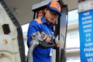 Xăng dầu được giữ nguyên giá trong kỳ điều hành hôm nay 15.2 - Ảnh: Internet