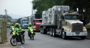 Venezuela ngăn hàng viện trợ của Mỹ qua biên giới Colombia.