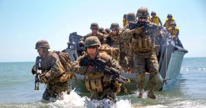 Lính thủy đánh bộ Mỹ tập trận trên bãi biển gần Mykolayivka, Ukraine năm 2017. Ảnh minh họa